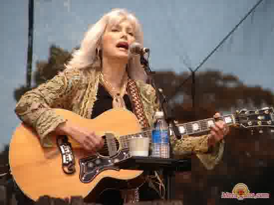 Poster of Emmylou Harris - (English)